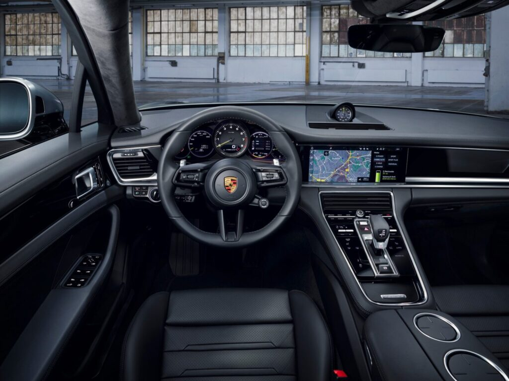 """بالصور… باناميرا """"تيربو S"""" هايبرد 2021 تنطلق رسمياً  2021-Porsche-Panamera-2-1536x1152-1024x768"""