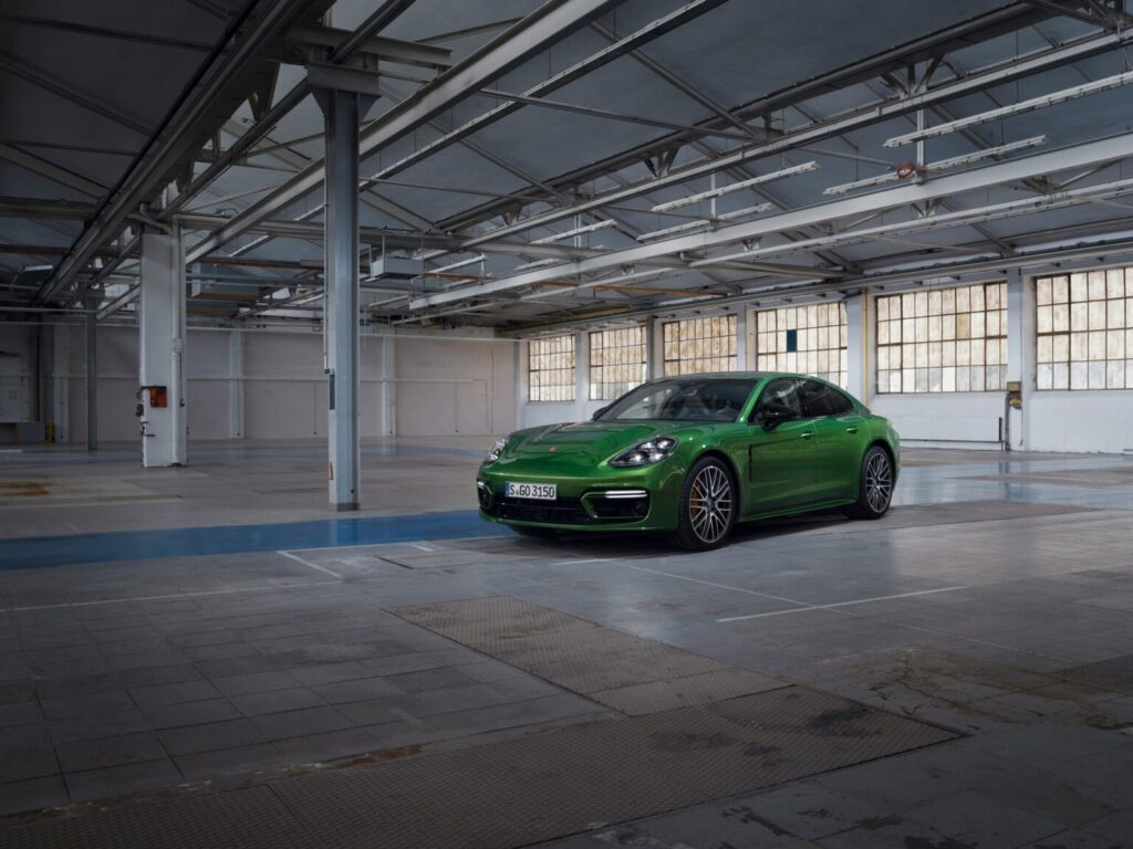 """بالصور… باناميرا """"تيربو S"""" هايبرد 2021 تنطلق رسمياً  2021-Porsche-Panamera-5-1536x1152-1024x768"""